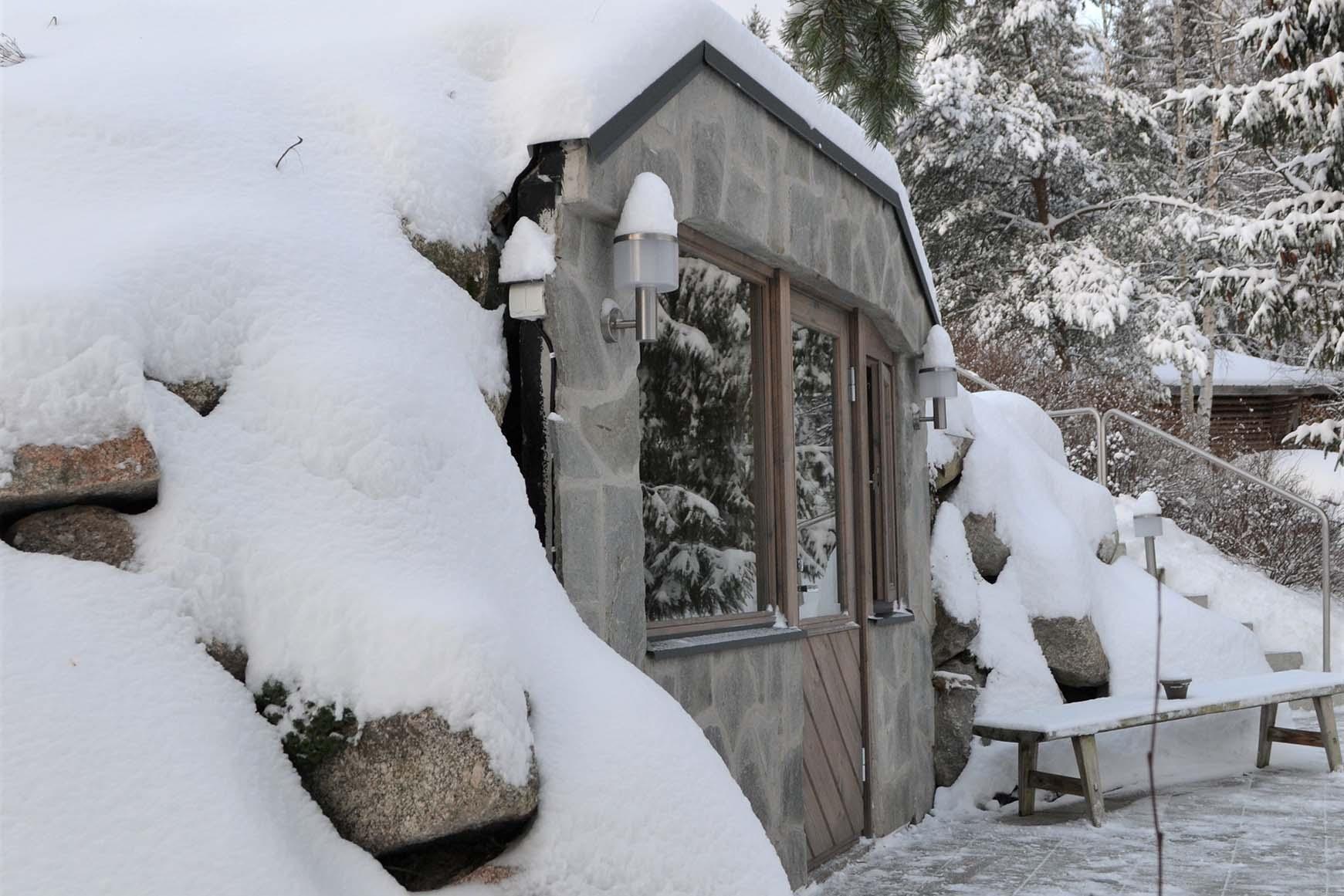 Keko-savusauna talvella
